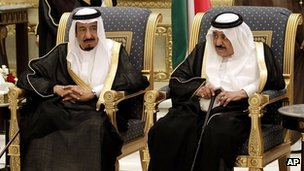 Saudi Crown Prince Nayef (R) and his brother, Prince Salman, attend a Gulf summit in Riyadh on 14 May 2012 (file photo)