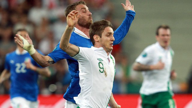Kevin Doyle in action against Italy 