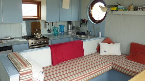 Uk 39 s 39 most expensive 39 beach hut sells for 170 000 in for The galley sink price