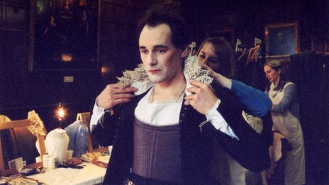 Mark Rylance gets into costume for his performance in Twelfth Night