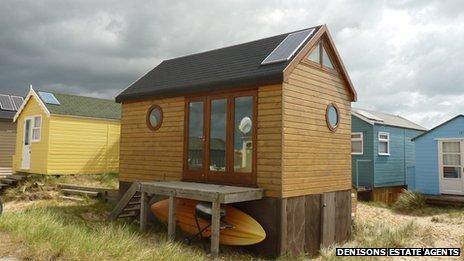Hut 97 at Mudeford
