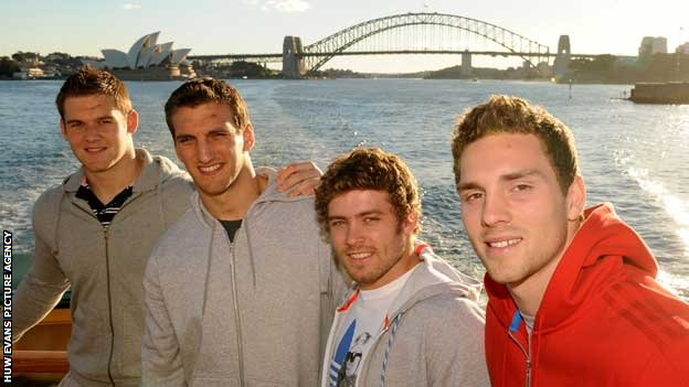 Dan Lydiate, Sam Warburton, Leigh Halfpenny and George North at the Sydney Harbour Bridge