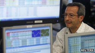 Bond trader in Madrid