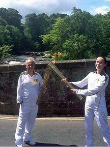 Torch kiss at Aysgarth Falls