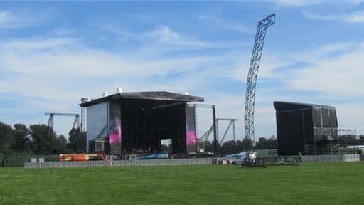 Main stage at BBC Radio 1's Hackney Weekend