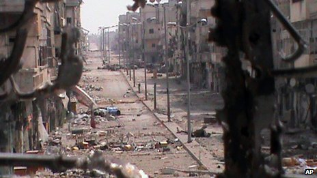 Activists published a photograph purportedly showing a street in the Khaldiya district of Homs (21 June 2012)
