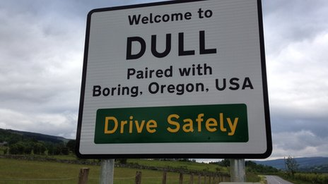 [Image: _61117470_dull_and_boring_road_sign.jpg]