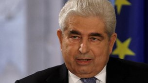 Cypriot President Mr Dimitris Christofias has called a meeting to discuss Cyprus' options