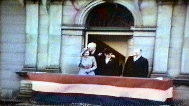 Princess Elizabeth on balcony