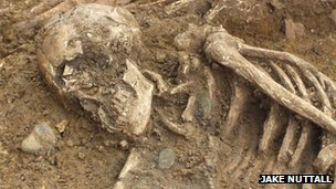 Skeleton of a woman found in Anglo-Saxon grave