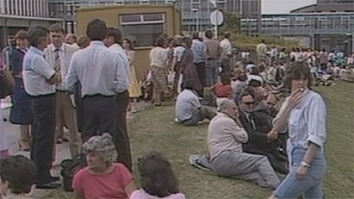 Office workers in 1984 at the time of the Gwynedd earthquake
