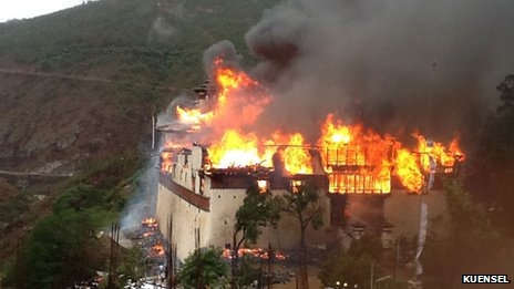 Wangdue Phodrang temple in flames