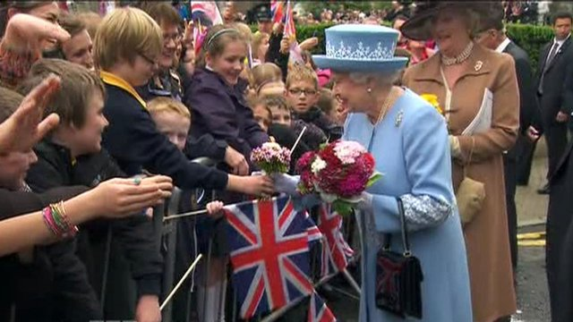 The Queen meets Enniskillen crowds