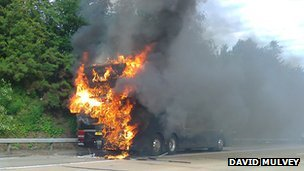 M25 coach fire