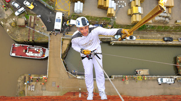 Alan Ellinson begins his abseil