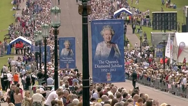 Crowds await the Queen