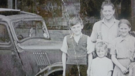 Joe Johnson (top) with children Joey, Josie and Shirley (left to right)