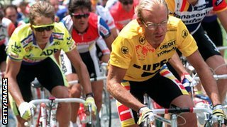 Greg LeMond (left) and Laurent Fignon