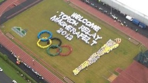 The rings were created by 3206 pupils and teachers from 33 local schools.