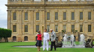 The torch relay arrives at Chatsworth House