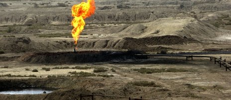 Flare at iranian oil facility (file photo)