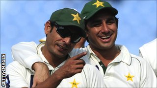 Abdur Rehman (l) and Saeed Ajmal