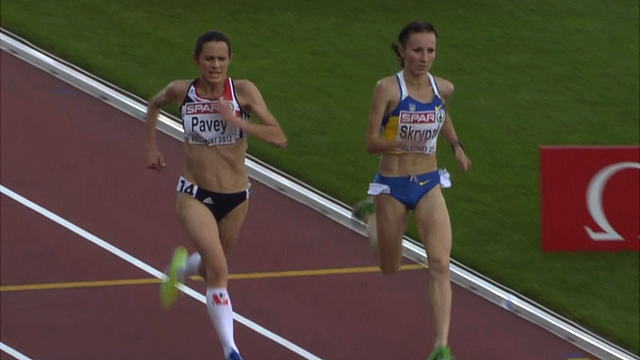 Britain's Jo Pavey sprints past Ukraine's Olha Skrypak to take silver