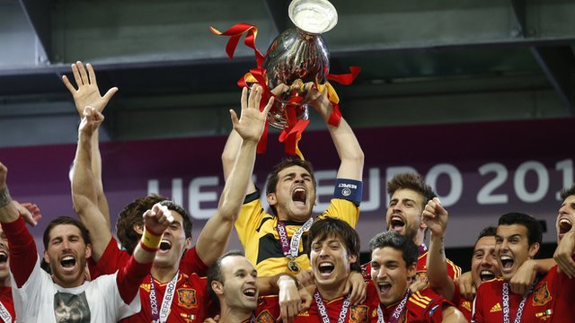 Spain lift Euro 2012 trophy