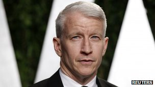 Anderson Cooper arrives at the 2012 Vanity Fair Oscar party in West Hollywood, California in this 26 February 2012