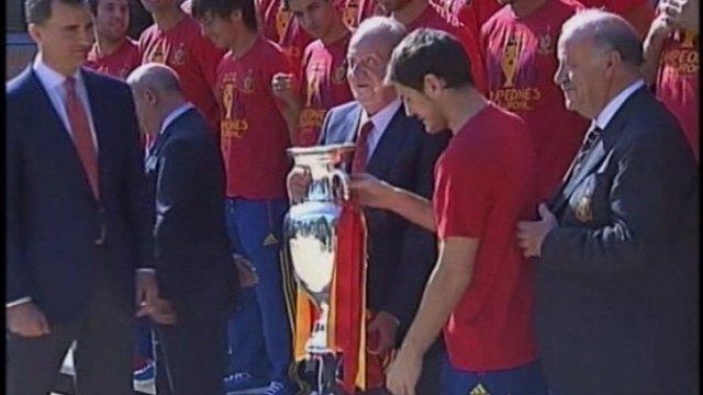 King Juan Carlos and Spanish team