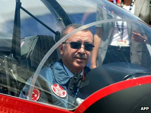 Recep Tayyip Erdogan inside a Turkish Air Force jet (27 June 2012)