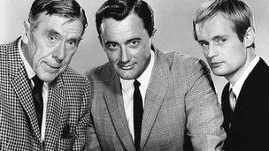 Robert Vaughn, (centre) with co-stars David McCallum (right), and Leo G. Carroll