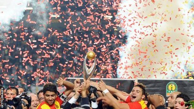 Esperance celebrate winning the 2011 African Champions League