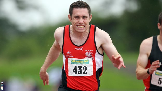 Jason Smyth was pipped by Paul Hession in the 100m final at Santry