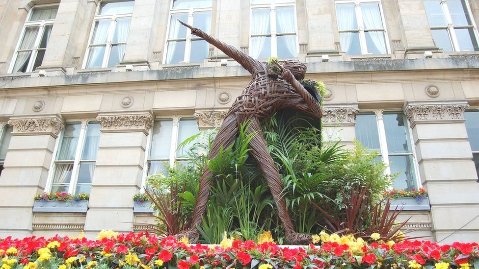 Bbc News London 2012 Usain Bolt In Birmingham Floral