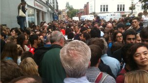 'Crowd madness' in Oxford