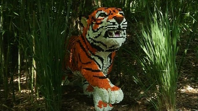 Tiger made of Lego at New York&#039;s Bronx Zoo