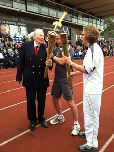 Roger Bannister passs the Olympic flame to Nicola Byrom