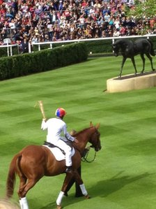 Frankie Dettori and Monsignor at Ascot, pic courtesy of Agnes Cserhati