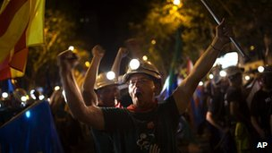 Miners march along street in Madrid (10 July)