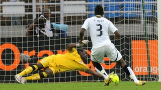 Zambia goalkeeper Kennedy Mweene saves the 2012 Africa Cup of Nations penalty that prompted Asamoah Gyan&#039;s international retirement
