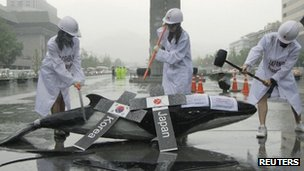 "Activists in Seoul against South Korea's ""scientific"" whaling plans, 6 July"