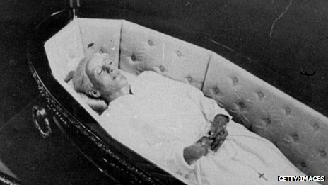 Eva Peron's body in 1974