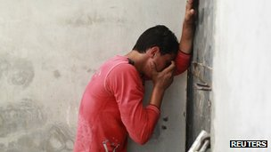 A Palestinian mourns the death of a Hamas militant in Gaza City (12/07/12)