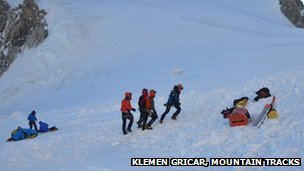 Rescue teams on Mont Maudit