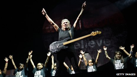 Roger Waters performing in New York