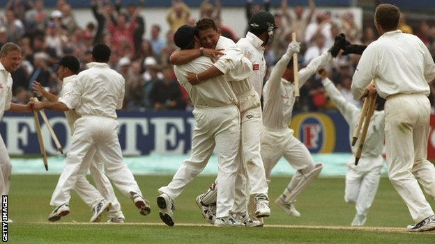 England celebrate in 1998