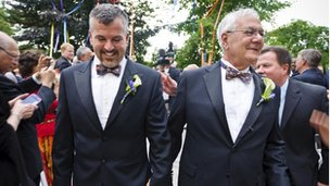 Barney Frank marries James Ready