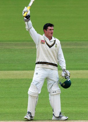 Graeme Smith celebrates at Lord's