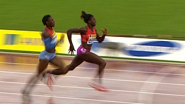 Ohuruogu wins 400m in pouring rain
